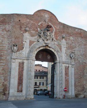 Porta Comollia, Siena.