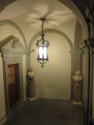 Florence: Palazzo Pitti. Closing time.