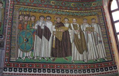 Ravenna: Basilica di San Vitale. Emperor Justinian and his retinue.