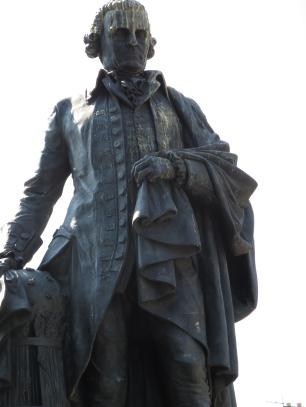 Adam Smith vs. Labour Party pigeons. The Royal Mile, Edinburgh.